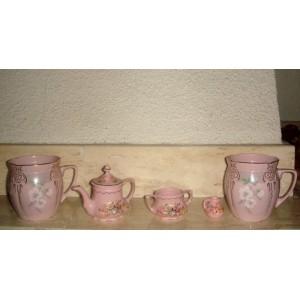 Ružový porcelan